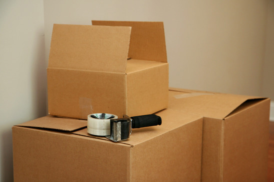 Moving? How to Use a Portable Storage Unit for Pre-Packing